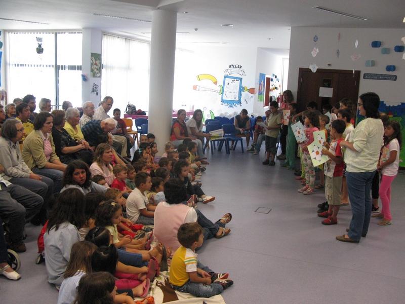Vila de Rei | Biblioteca Municipal junta mais de 100 crianças e idosos no Sarau Intergeracional