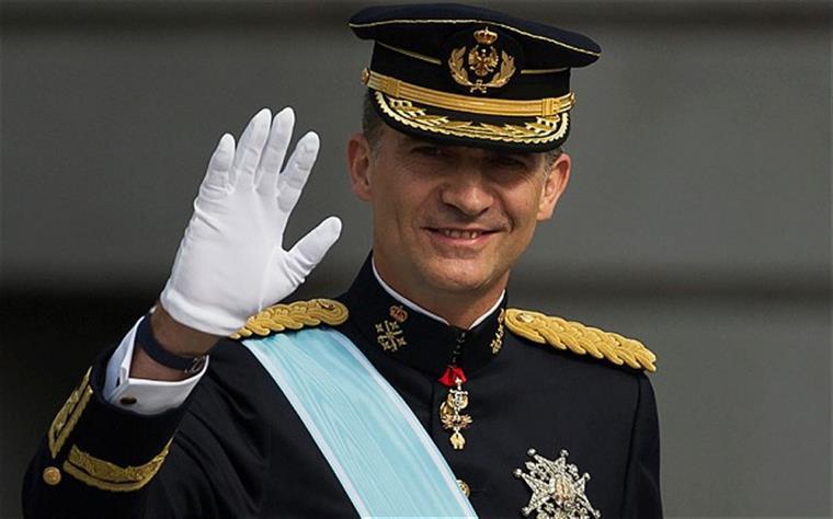 Rei de Espanha vem à tomada de posse do novo Presidente