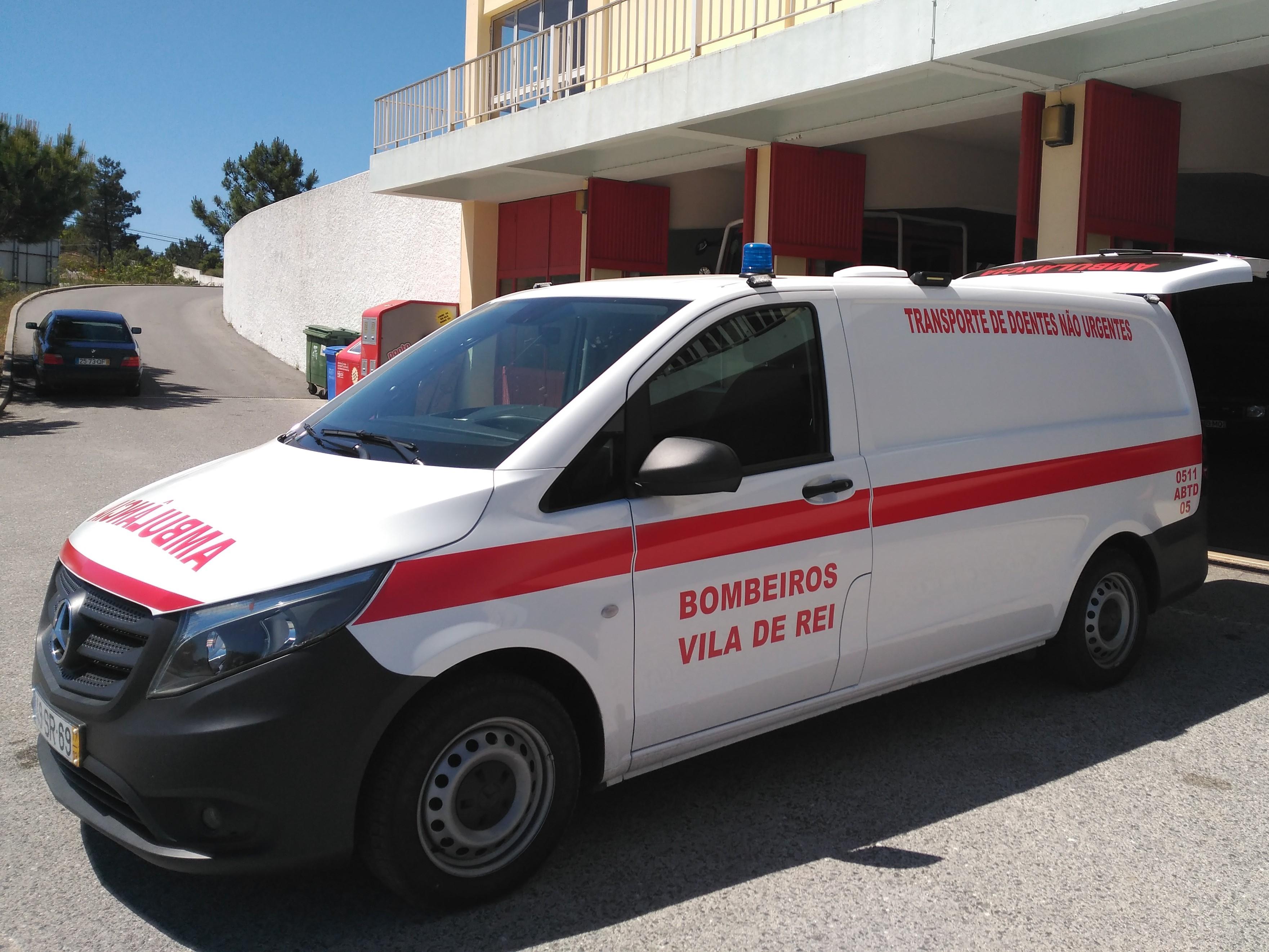 Bombeiros de Vila de Rei com nova ambulância