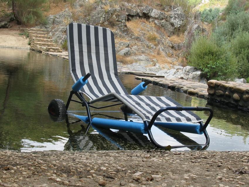 Vila de Rei | Cadeira Anfíbia disponível nas Praias Fluviais e Piscina Municipal