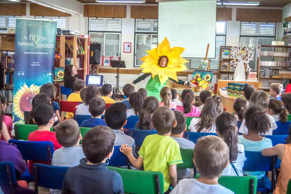 Autora Celeste Gonçalves visitou crianças Vilarregenses